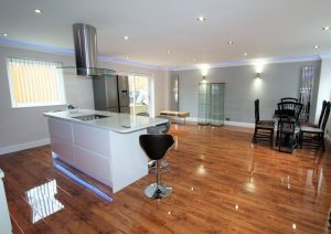 4 Bedrooms Terraced House to rent